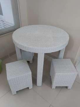 Set Meja Kursi Putih bahan Rotan Sintetis