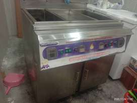 Deep fryer and hot plate