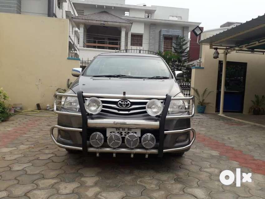 Toyota Innova 2.5 VX BS IV 8 STR, 2011, Diesel 0