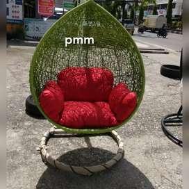 PMM. Ayunan gantung rattan sintetis