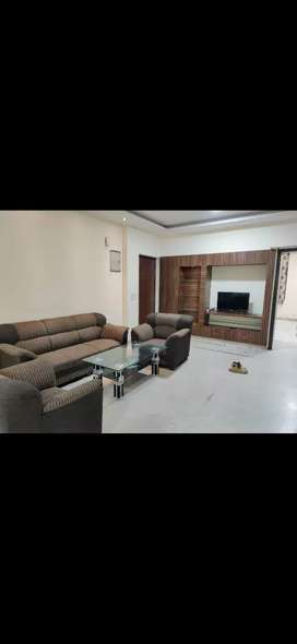 3bhk luxury fully furnished flat in panchsheel colony for all