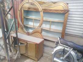 Dressing table with  shokas