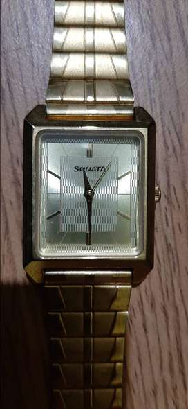 Gold sonata ss back water resistant watch