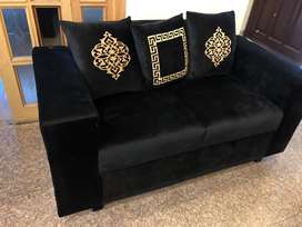 Sofa set 6 seater 2 months used
