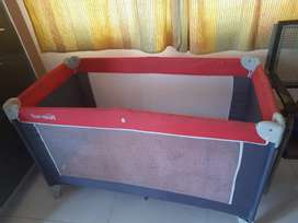 Follding sleeping bed for baby