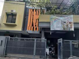 Dijual rumah 3 lantai siap huni di Tebet Jaksel dkt stasiun dkt kokas