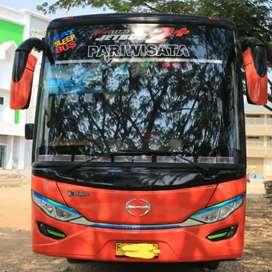 Bus HINO SETRA Adiputro