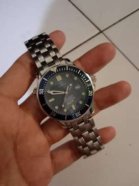 Jam tangan omega seamaster 007 blue automatic