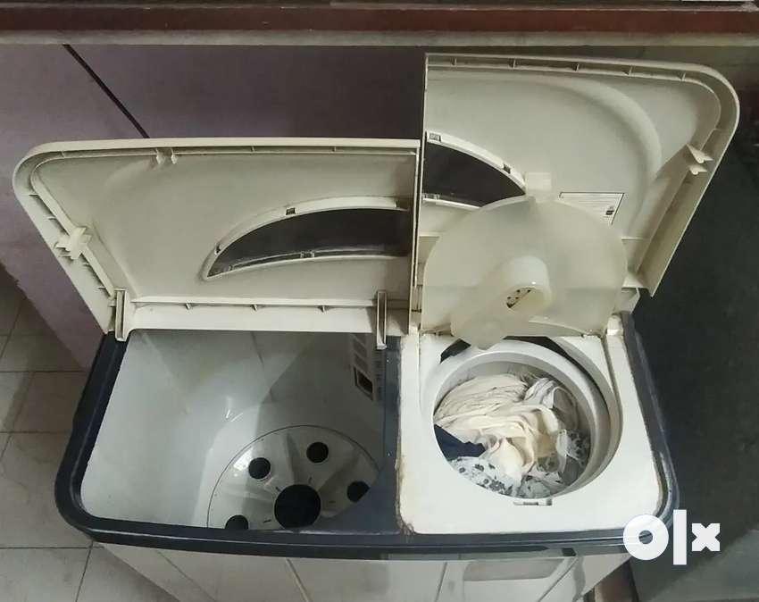 Videocon Multie 6800 DLX 6.8 kg, 5 year old Washing Machine working