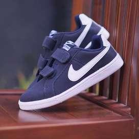 ORIGINAL Nike Sepatu Anak Kids Kid Laki-laki Navy Velcro Slip On BNWB