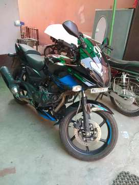 Tip top condition pulsar 220f  for sale
