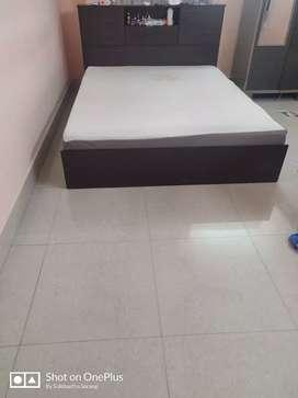 Storage bed with Wakefit Mattress