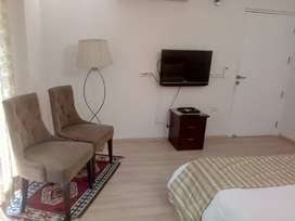 Dlf park palace 3 bhk for rent on golf course road