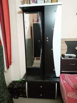 Bed ,TV case  and drasing table in nice condition