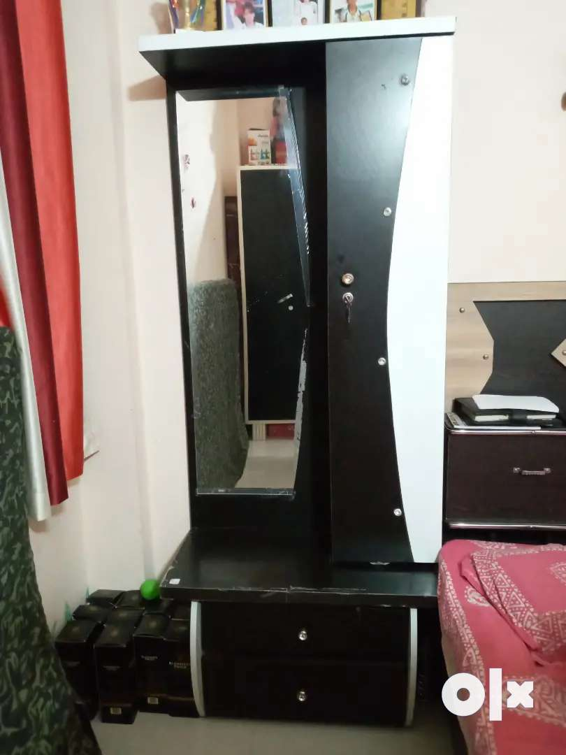 Bed ,TV case  and drasing table in nice condition 0