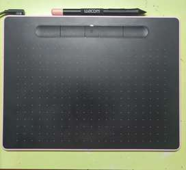 Wacom intuos CTL6100 graphic tablet for photo editing and digital art