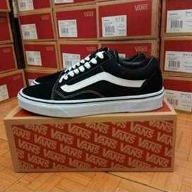 Sepatu sneaker vanss(BARANG SAMPAI BARU BAYAR