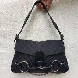 Gucci hitam kanvas mix kulit asli shoulder bag