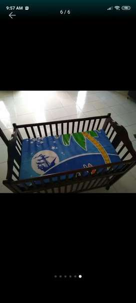 Tempat Tidur bayi Tidak pernah dipakai sama sekali
