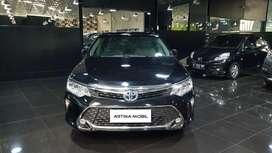 Toyota Camry 2.5 L Hybrid AT Matic 2017 Hitam ASTINA MOBIL