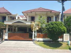 Rumah Villa Riviera Pakuwon City