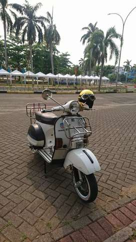 Vespa Exclusive P150XE 1988 White
