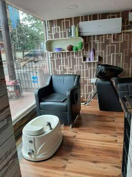 Unisex Family Saloon & Spa for rent