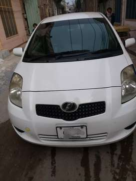 Salam sale toyota vitz model 2007 regesterd 2010 rs1175000