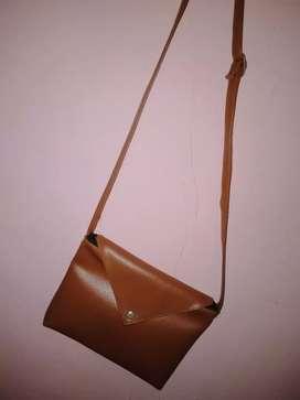 Tas Sling Bag Wanita Coklat
