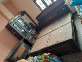 Furniture set with dressing table, show case and mailadan