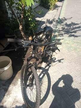 Sepeda gunung kesayangan