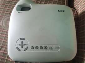 NEC lt380 projector in good condition forsale