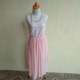 Dress wanita pesta