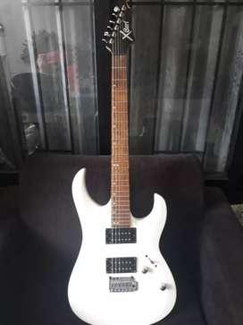 Gitar elektrik Cort X2 dan Ampli