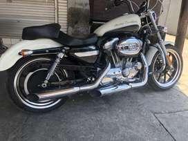 Harley dovidson 883 sangat mulus km low