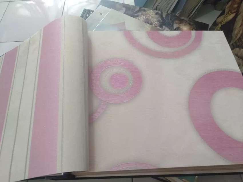 Wallpaper - Kasa Nyamuk Magnet - Vinyl Lantai kayu In Design 0
