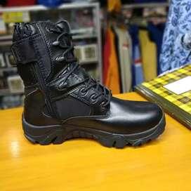 Sepatu Delta 8 Inci