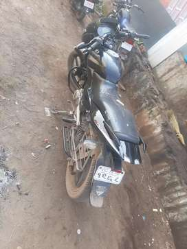 A very good condition for a bajaj pulsur 150 balck clour