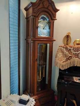 Grandfather clock Junghans. Peredaran Bulan