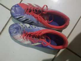 Adidas sepatu futsal