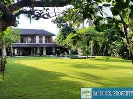 V792 - Dijual Villa Leasehold dgn 5 kamar tidur dan garden yang luas