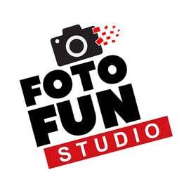 designer Photo editor in studio