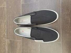 sepatu airwalk slip on warna hitam
