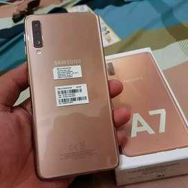 Samsung galaxy A7 2018 mulus 99.9%  masih garansi resmi
