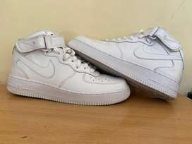 """Wore once, NIKE AIR FORCE 1 MID """"07 MENS"""". EXCELLENT CONDITION."""