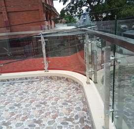 Railing tangga kaca stenlis dan balkon $2707