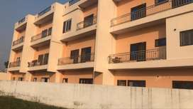 Luxurious 4bhk with ground floor parking approx 3200 carpet area