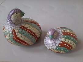 Pajangan keramik antik burung puyuh