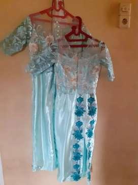 Jual dress 2 pasang ukuran l & s.harga 170k/pcs ambil 2 pcs 300k
