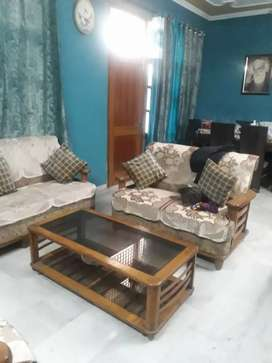 Available 3bhk second floor in housefed in sec 79